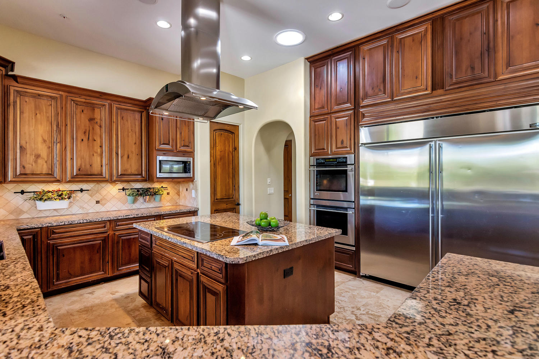 23945 N 67th Ave-large-029-50-Kitchen-1500x1000-72dpi.jpg
