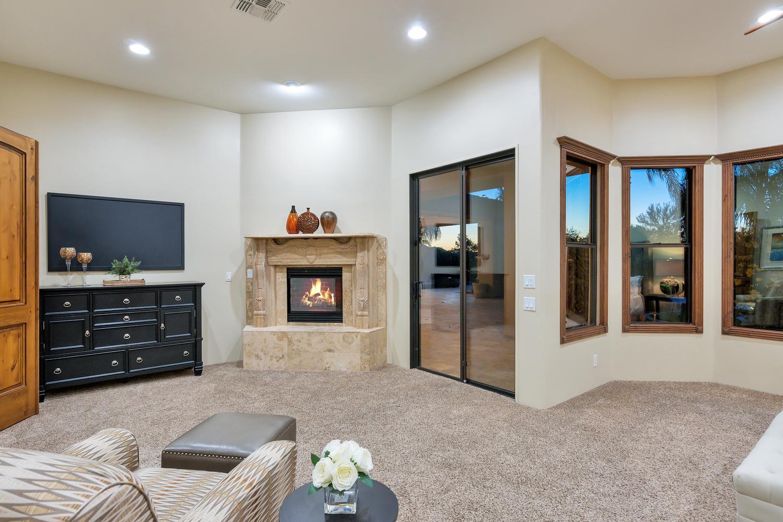 23945 N 67th Ave-large-031-28-Master Bedroom-1500x1000-72dpi.jpg