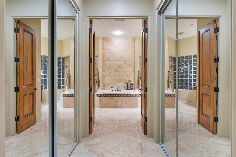 23945 N 67th Ave-large-035-60-Master Bedroom-1500x1000-72dpi.jpg