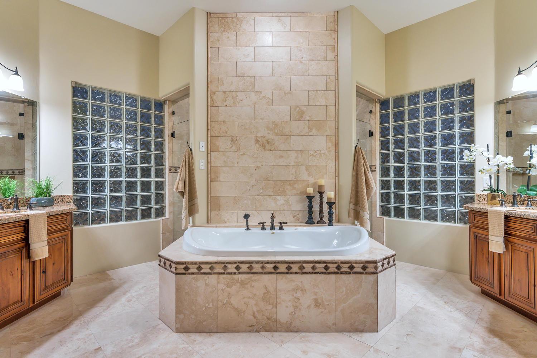 23945 N 67th Ave-large-036-38-Master Bedroom Ensuite-1500x1000-72dpi.jpg