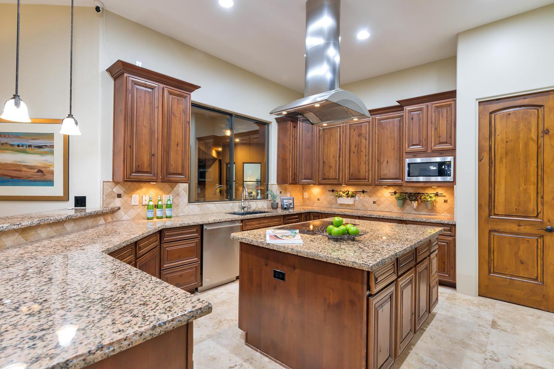 23945 N 67th Ave-large-025-40-Kitchen-1500x1000-72dpi.jpg