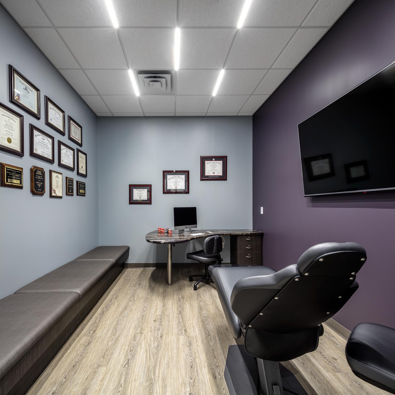 Michael King Orthodontics - Consult Room