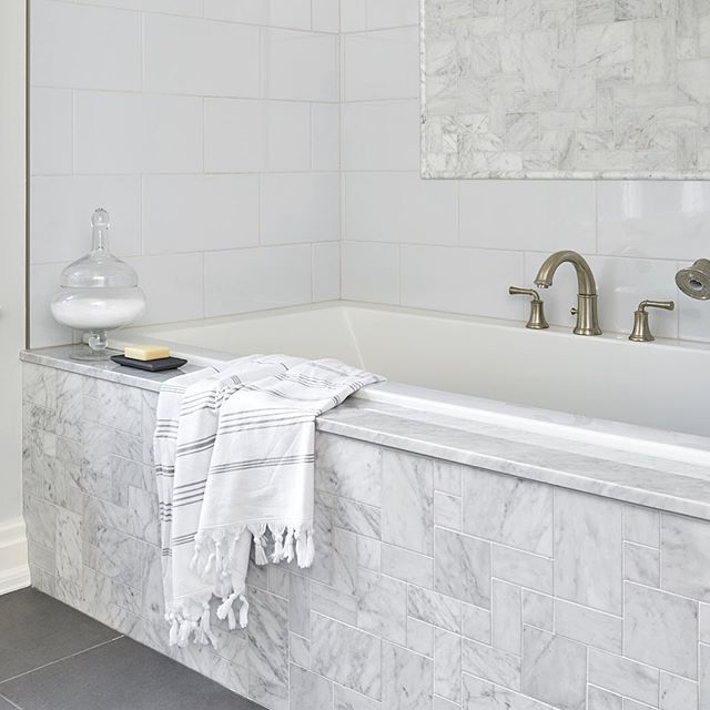 For these cold and rainy spring nights... #sarabedermandesign #escape #relax #bathroom #bathroomdesign #marble #luxury #renovation #construction #design #designer #details #decor #interiors #white #grey #homestyle #interiorstyle #homedecor #home #LoveYourHome