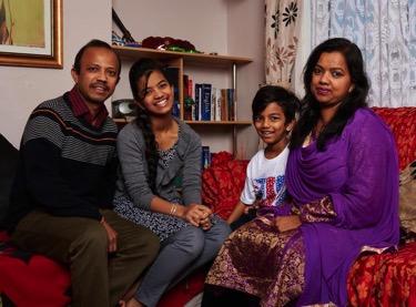 14-Bangladeshi-Italian-Mazumder-family-Micha-Theiner.jpg