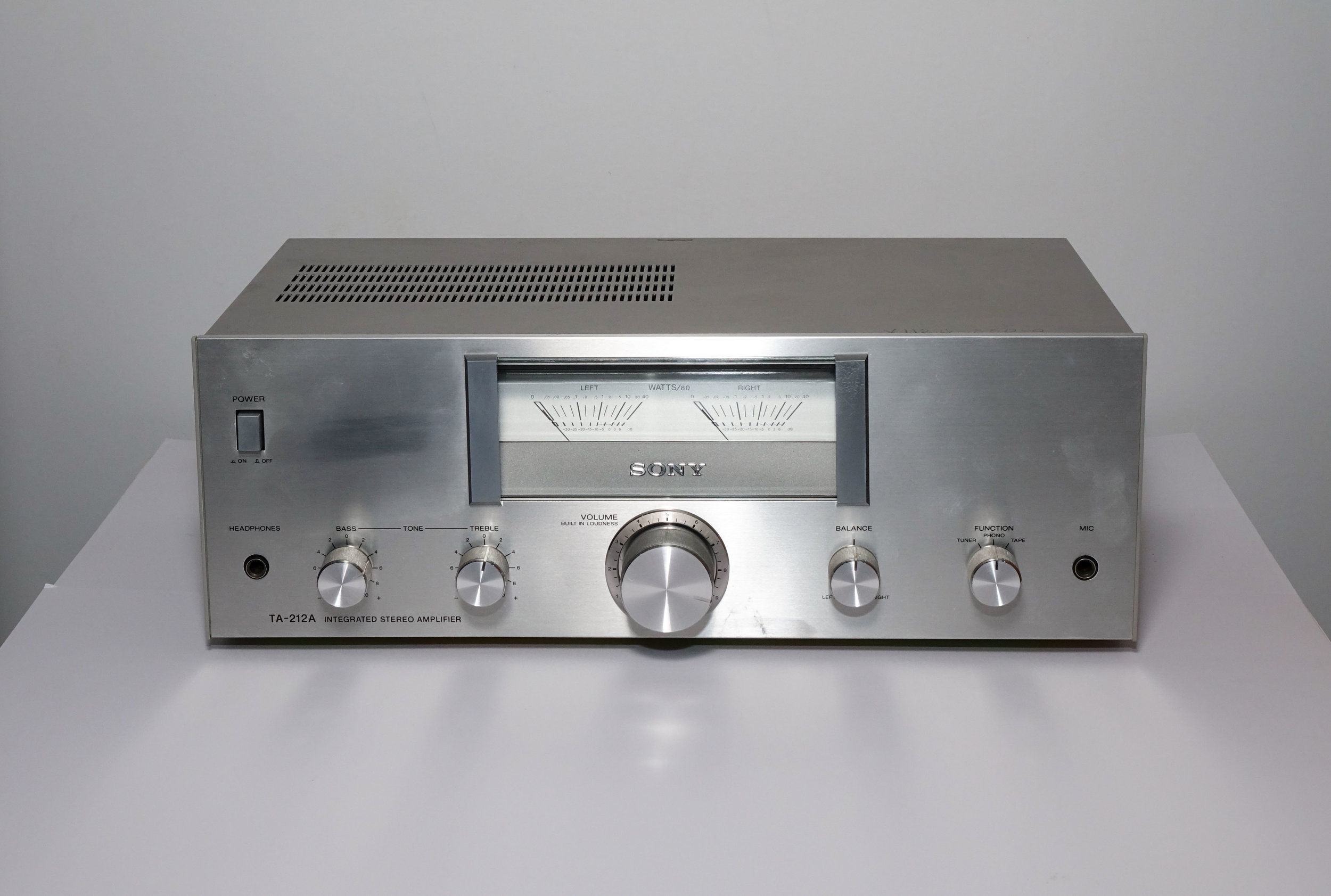 Sony TA-212A   Specifications   Power output: 12 watts per channel into 8Ω (stereo)  Frequency response: 20Hz to 20kHz  Total harmonic distortion: 3%  Damping factor: 20  Input sensitivity: 3.8mV (mic), 3mV (MM), 160mV (line)  Output: 140mV (line)  Speaker load impedance: 8Ω to 16Ω  Dimensions: 407 x 150 x 300mm  Weight: 5.1kg  Year: 1978   $285
