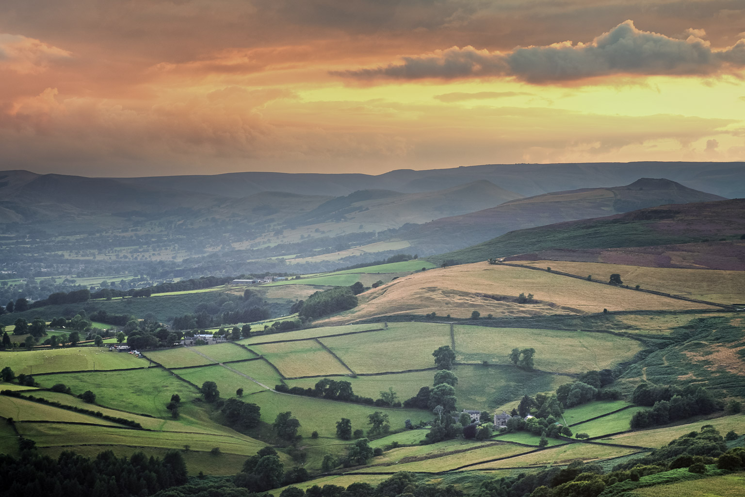 The View Out from Stanage Edge is one of the best in the Peak District. Win Hill, Lose Hill, Mam Tor, Kinder Scout, Grindslow Knoll, Rushop Edge, Higher Tor and endless valleys can all be seen.