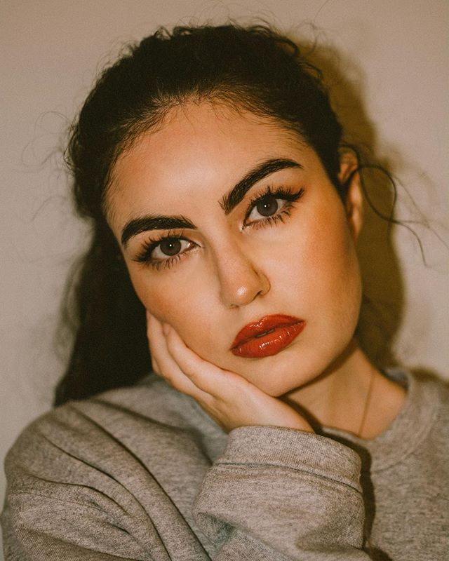 // If I love you was a promise, would you break it, if you're honest? ⠀⠀⠀⠀⠀⠀⠀⠀⠀⠀⠀⠀ ⠀⠀⠀⠀⠀⠀⠀⠀⠀⠀⠀⠀ ⠀⠀⠀⠀⠀⠀⠀⠀⠀⠀⠀⠀ ⠀⠀⠀⠀⠀⠀⠀⠀⠀⠀⠀⠀ ⠀⠀⠀⠀⠀⠀⠀⠀⠀⠀⠀⠀ ⠀⠀⠀⠀⠀⠀⠀⠀⠀⠀⠀⠀ #selfportrait #lookoftheday #travelblogger #moroccan #fashionblogger  #eyes #portrait #styleblogger #belgium #morocco #marocaine #makeup #analog #look #belgianblogger #mua #beauty  #photography  #dailylook #dutchblogger #marrakech #gent #ghent #antwerp #brussels