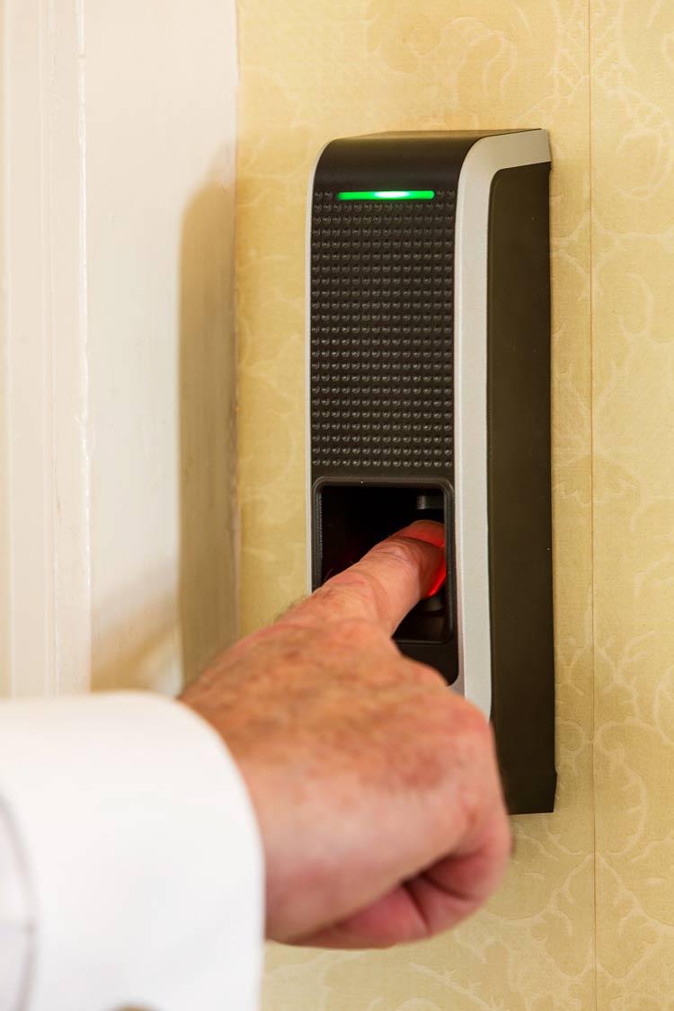 Pioneer Security - Finger Print Reader