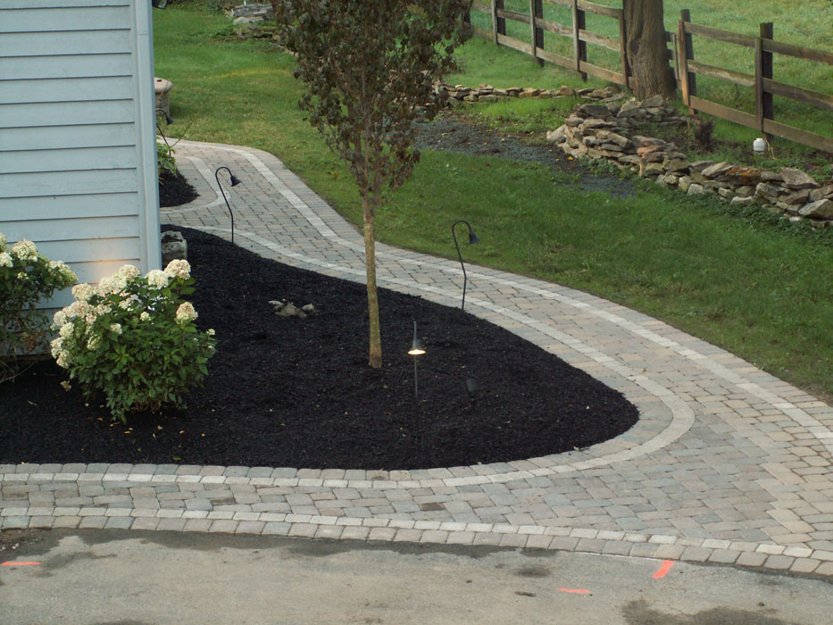 Carbone Front to Back Walkway