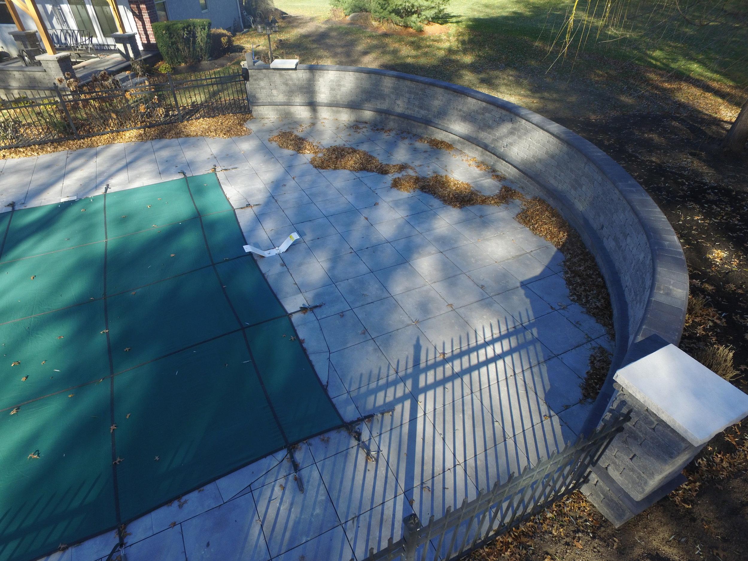 Stranges Pool Wall