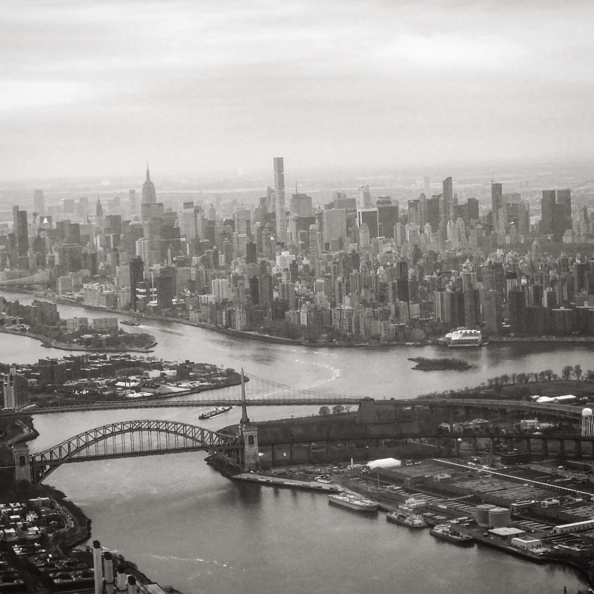 Departing LGA: Hell Gate and East River