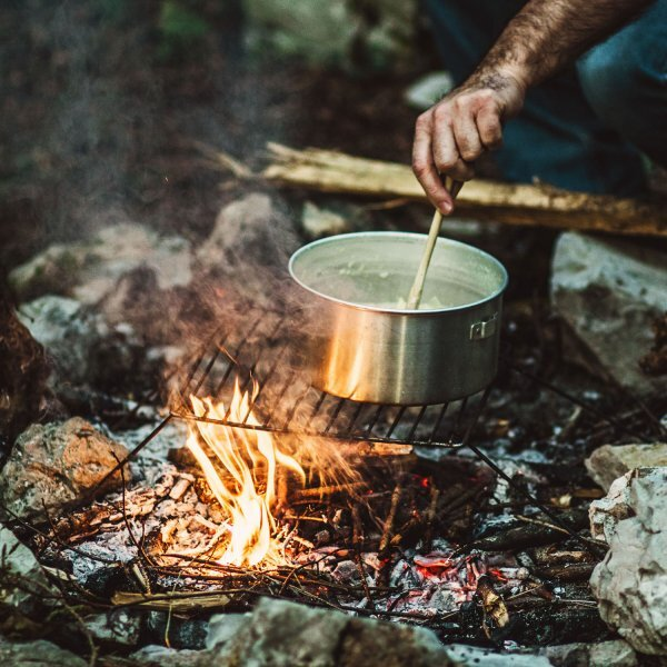 Foto: Outside Online:  How to Cook Over a Fire