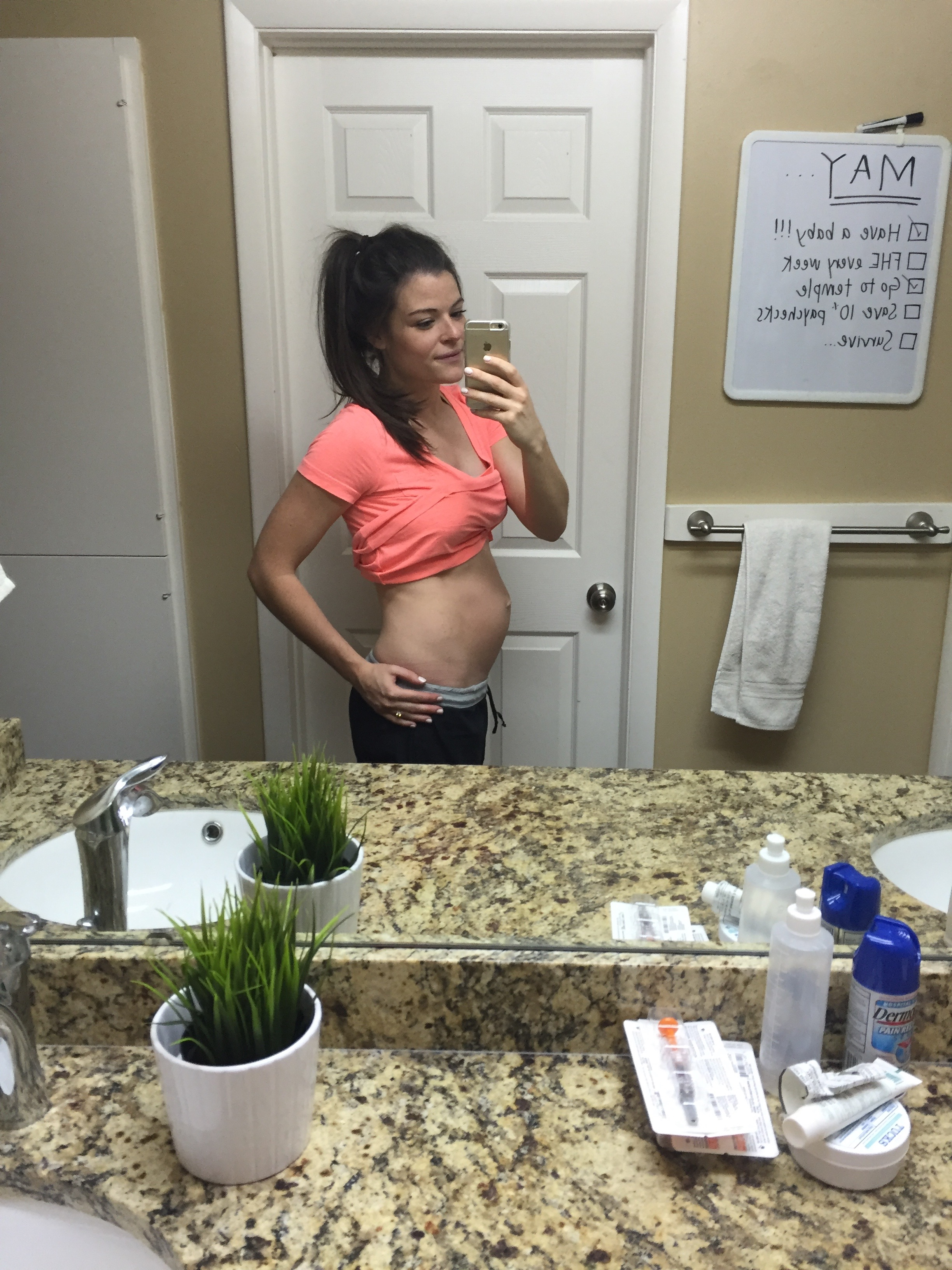 5 days postpartum (and say hello to all the lovely post delivery supplies ^^)