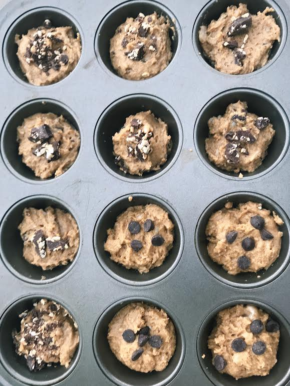 Healthy Chocolate Chip Muffins || goodfortheswole.com