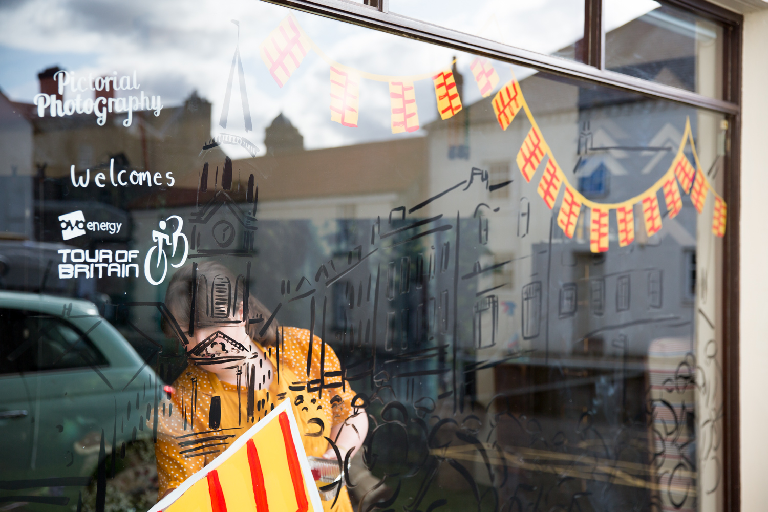 Katie_Draws_Pictorial_Photography_Chappell_Tour_of_Britian_window-painting-live-illustration-photography-graphic-mural-presentation-H45A6278.jpg