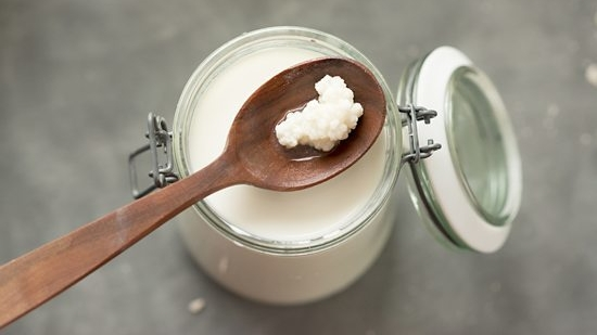 kefir-and-kefir-grains.jpg
