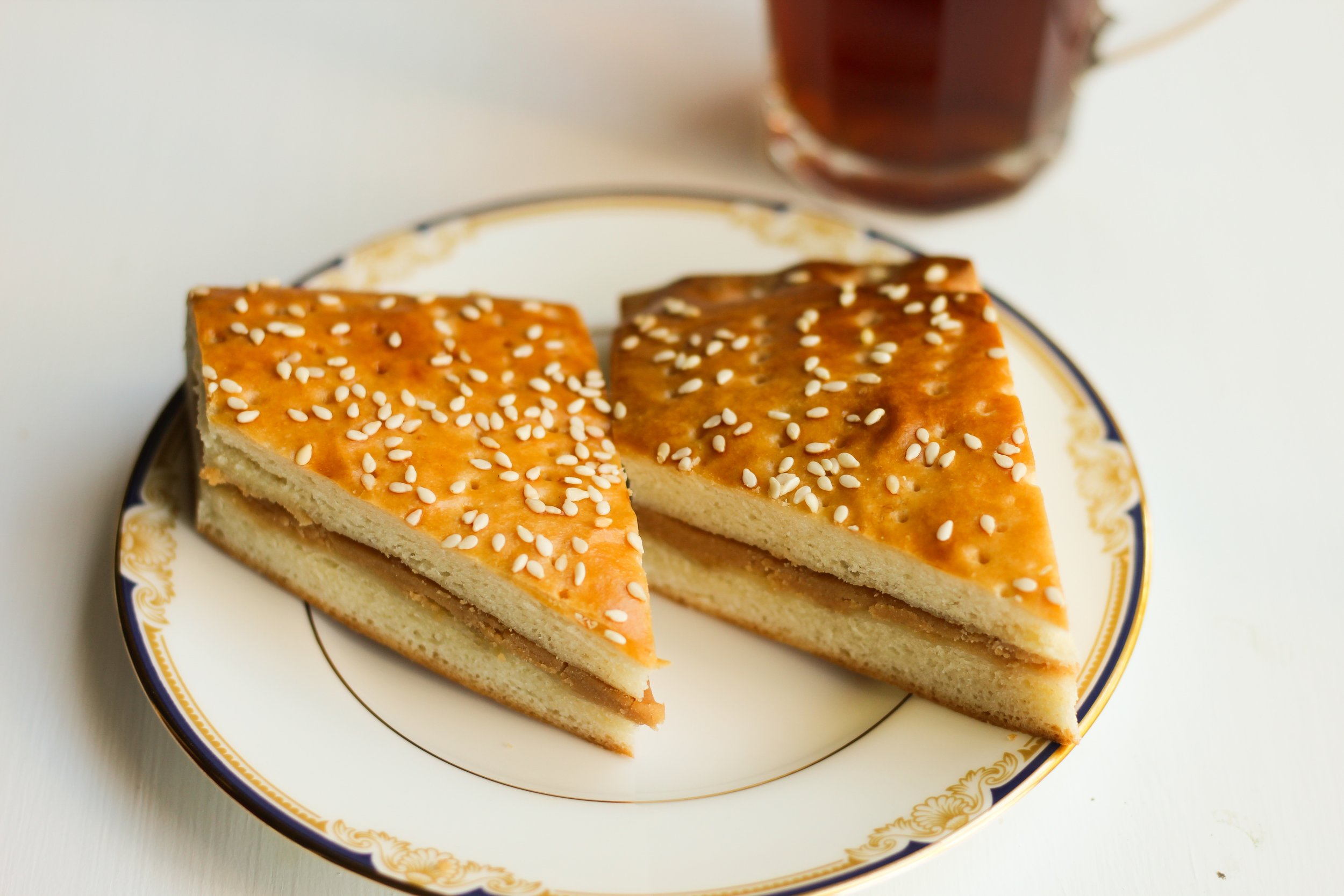 kadeh (roux-stuffed brioche)