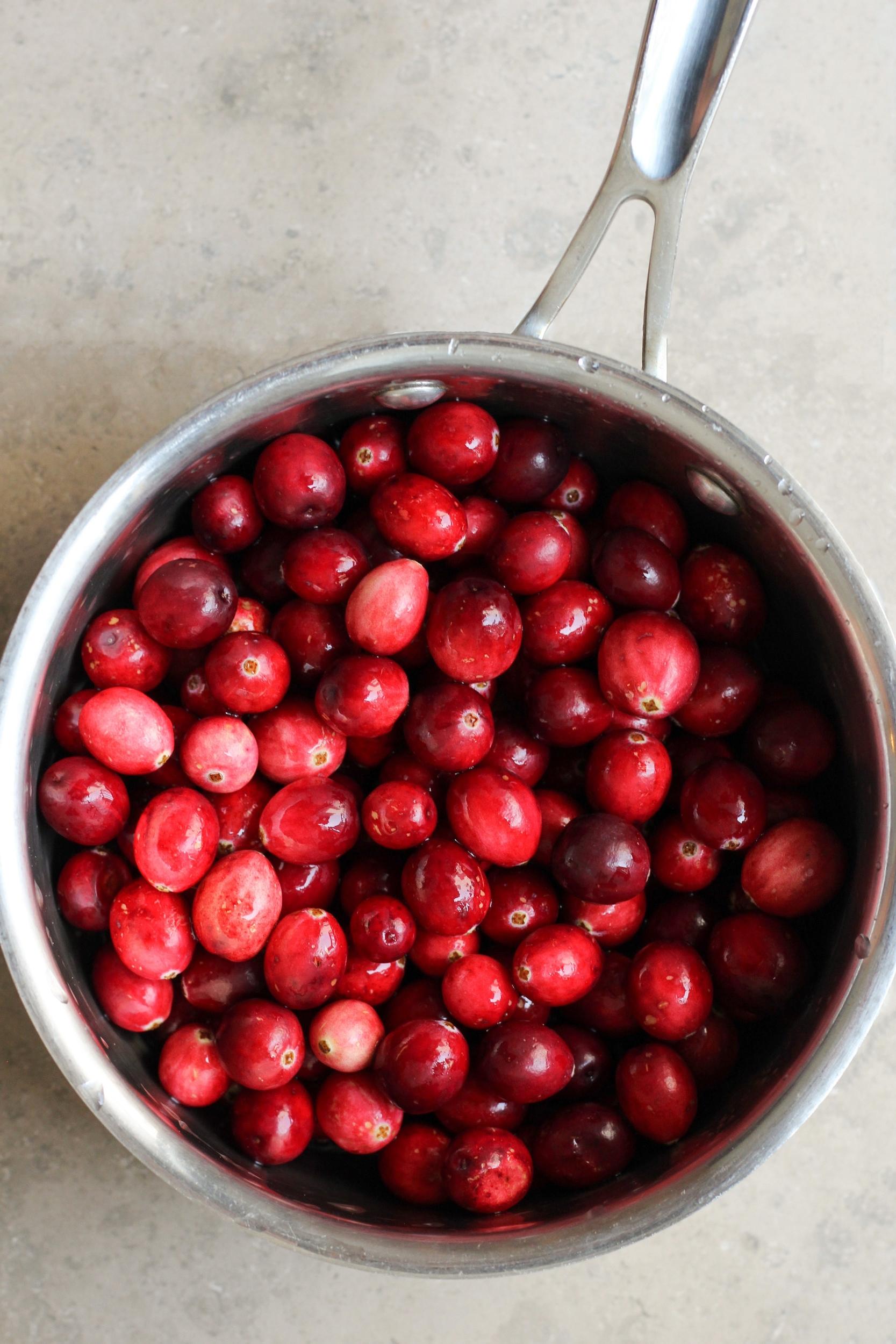 cardamom spiced cranberry sauce
