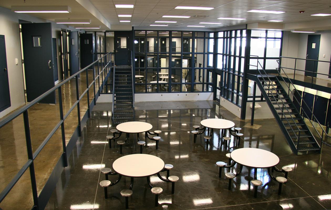 "<a href=""/sheriffs-dept-correctional-work-center"">Sheriff's Department<br />Correctional Work Center<br />Nashville, Tennessee</a>"