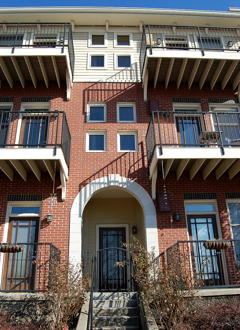 "<a href=""/city-view-lofts-nashville-tennessee"">City View Lofts<br />Nashville, Tennessee</a>"