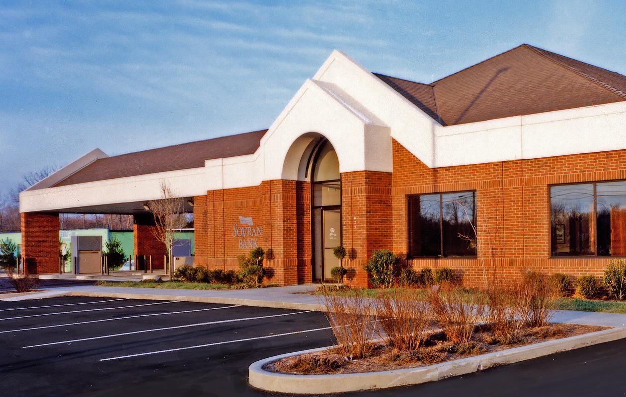 """<a href=""""/nations-bank-nashville"""">Nations Bank<br />Nashville, Tennessee</a>"""