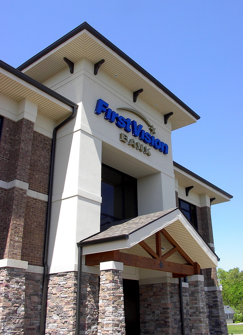 """<a href=""""/first-vision-bank-tullahoma"""">First Vision Bank<br />Tullahoma, Tennessee</a>"""