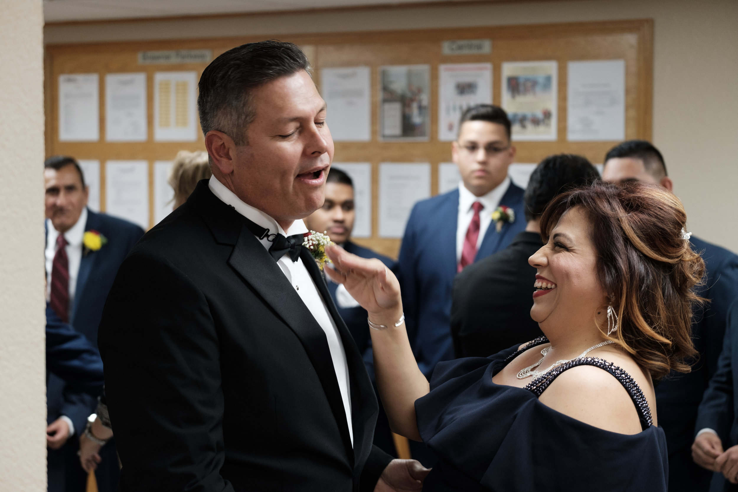 Mother and Father of the bride having a silly moment. Fuji Xpro 2, Fujinon 50-140