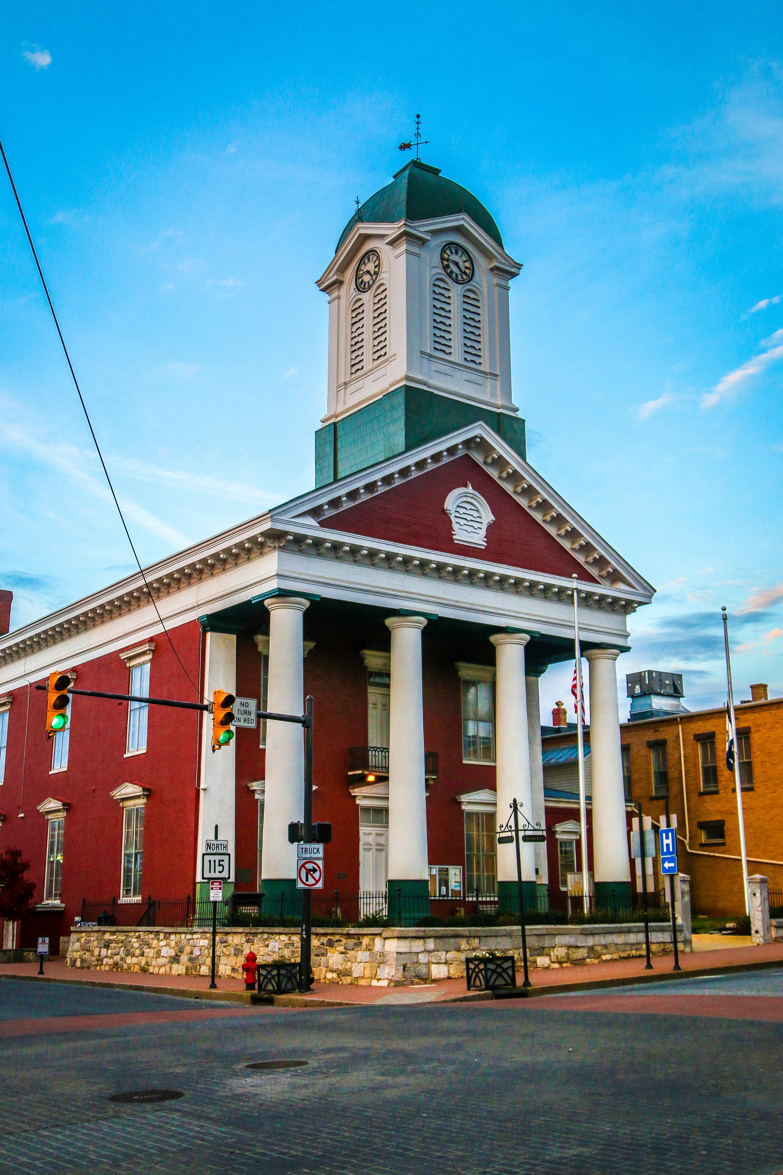 Jefferson County Courthouse, Charles Town