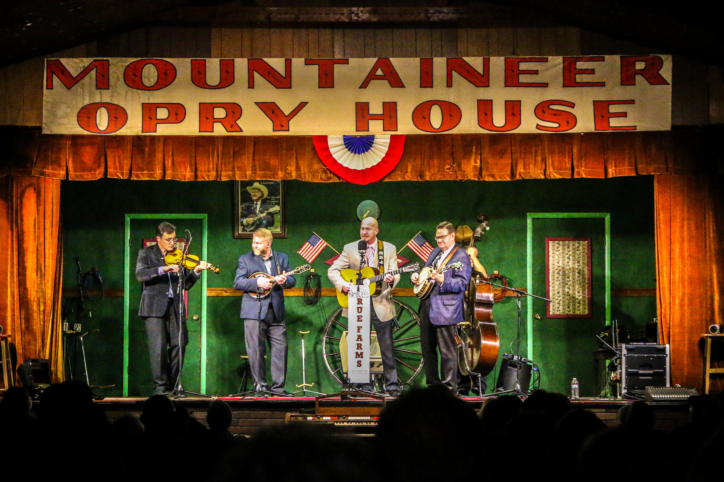 Mountaineer Opry, Milton