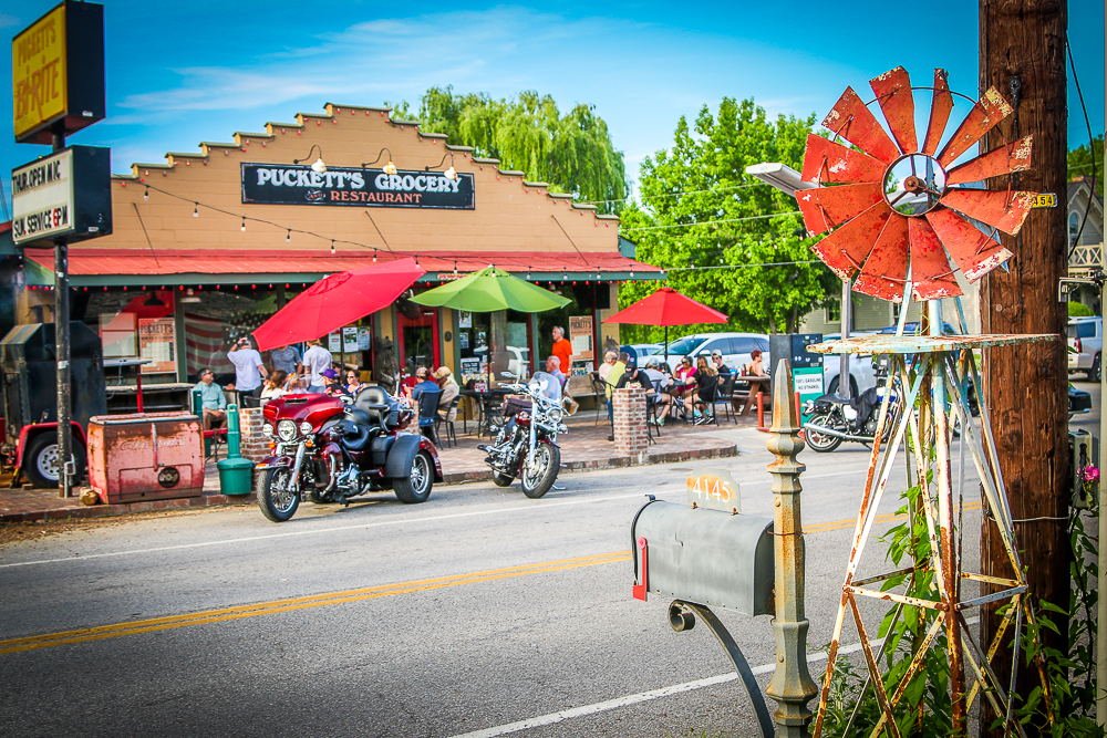 Puckett's in Liepers Fork