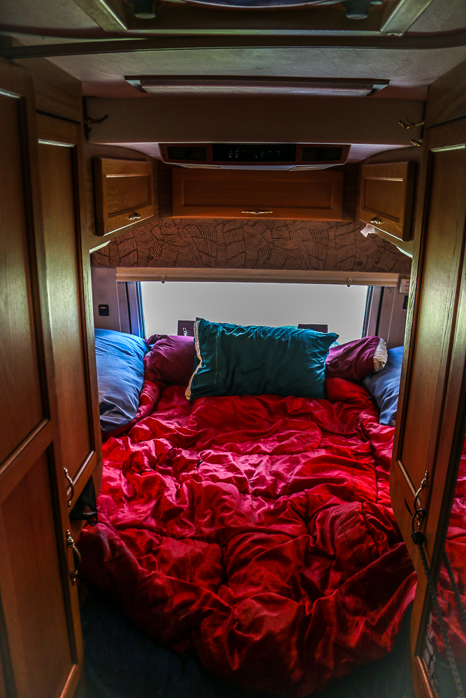 King Bed, Storage, A/C and Ceiling Fan