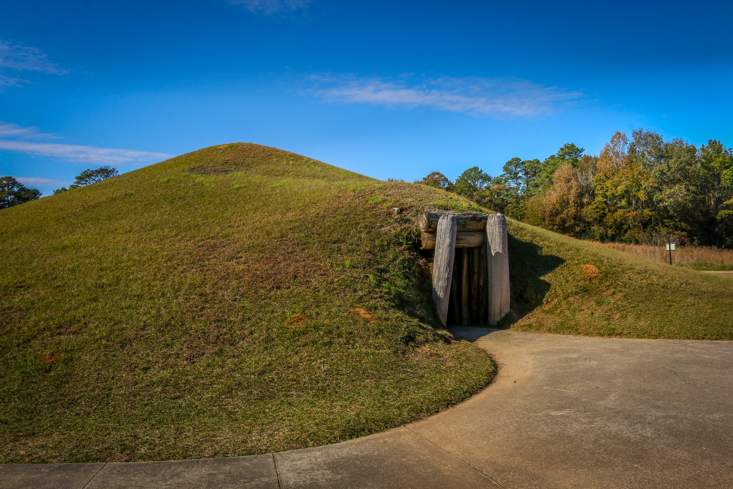 Ocmulgee's Earth Lodge Mound