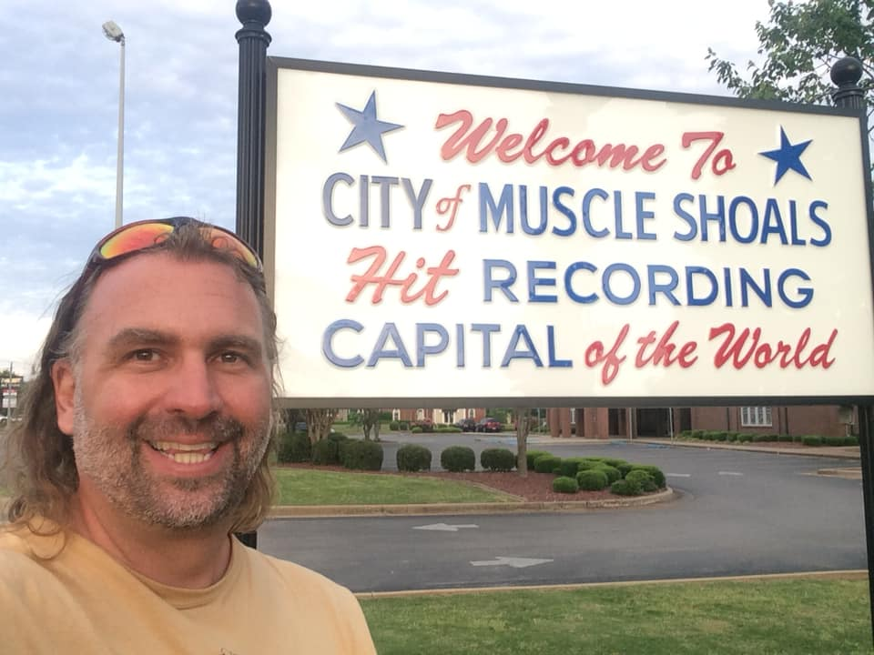 Hanging in Muscle Shoals