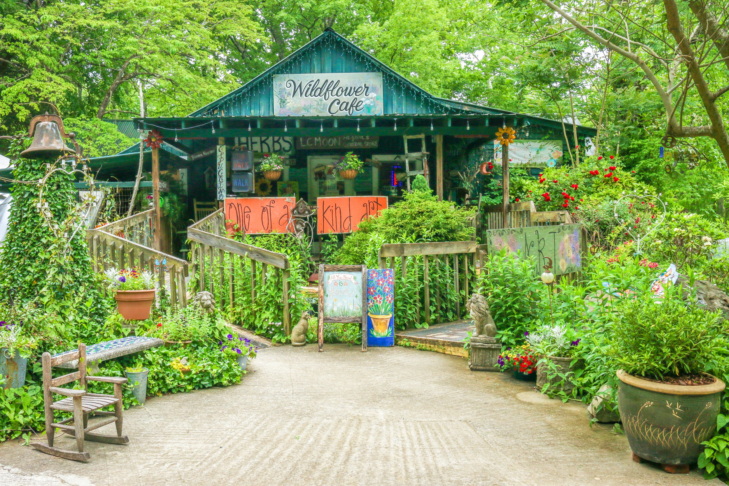 Wildflower Cafe in Mentone