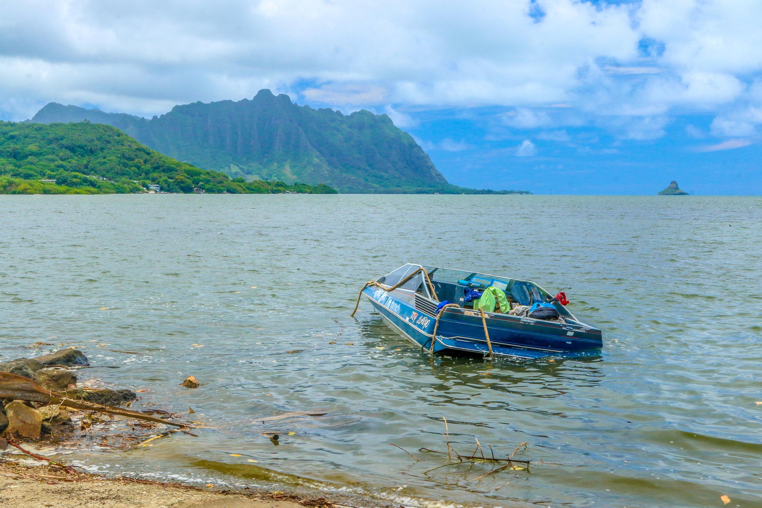 Oahu Hawaii HI photos photography sinking boat