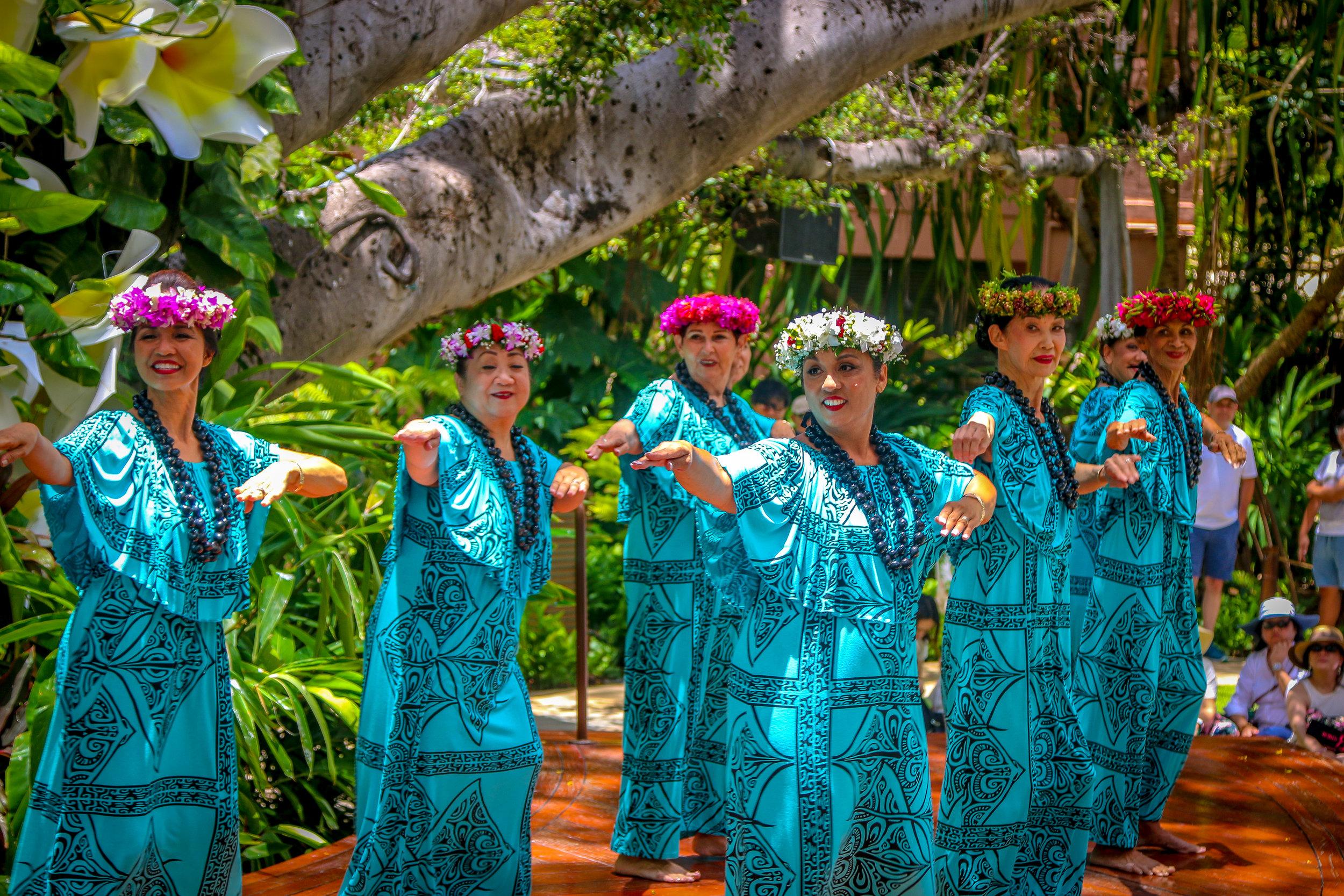 Oahu Hawaii HI photos photography Hula dancers waikiki