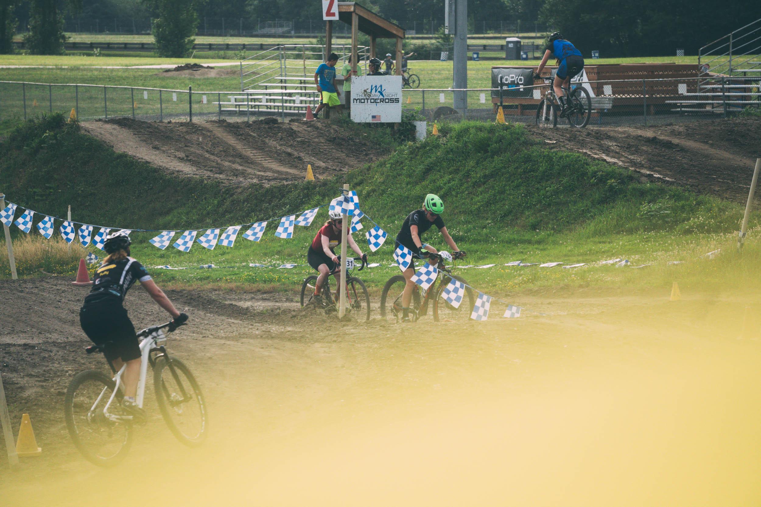 Short_Track_Race3_11.jpg