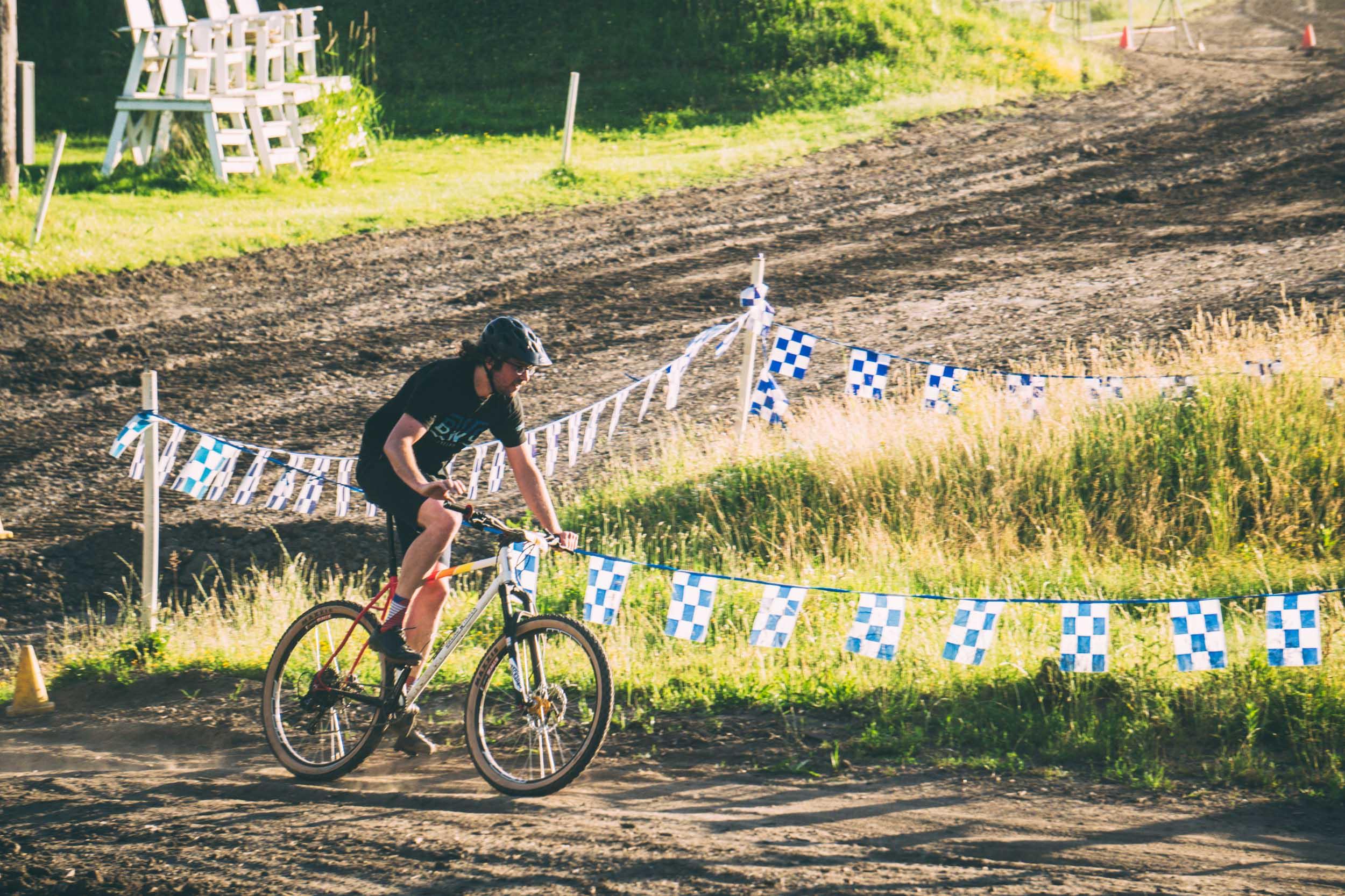 Short_Track_Race3_43.jpg