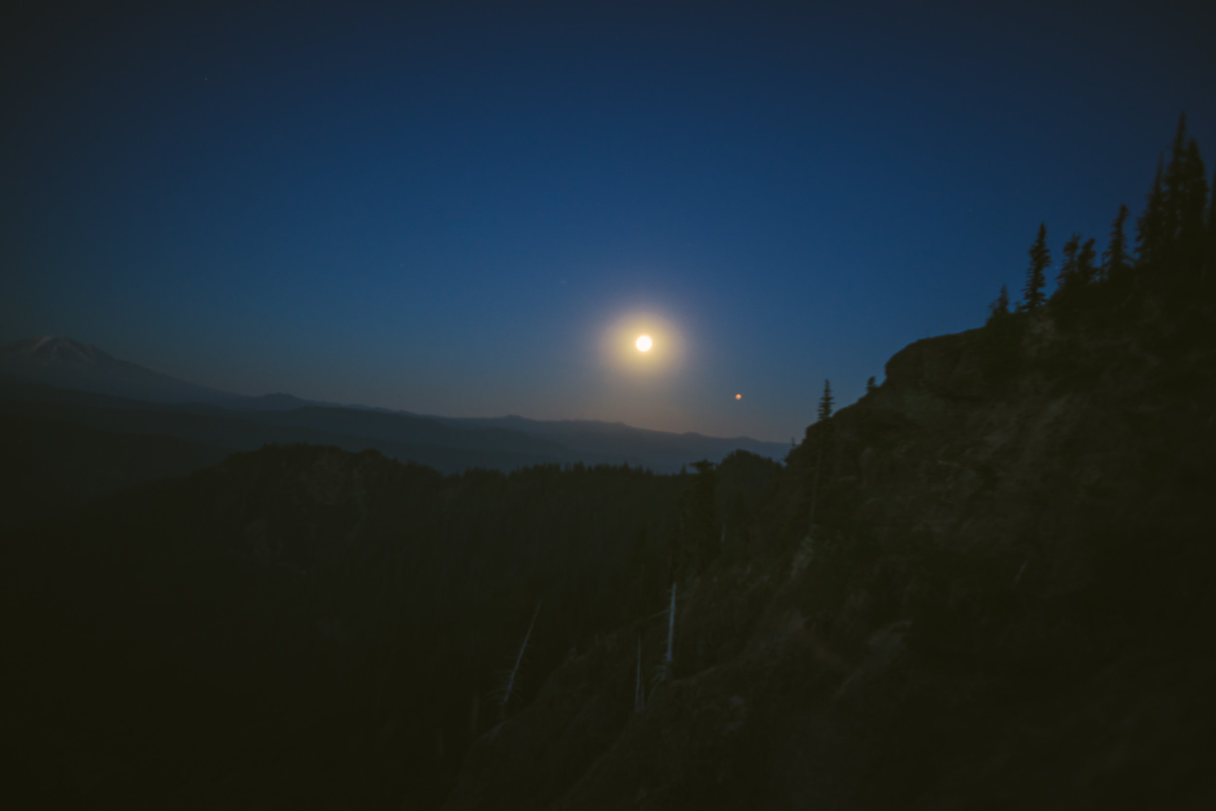 Full_Moon_Mt_St_Helens_58.jpg