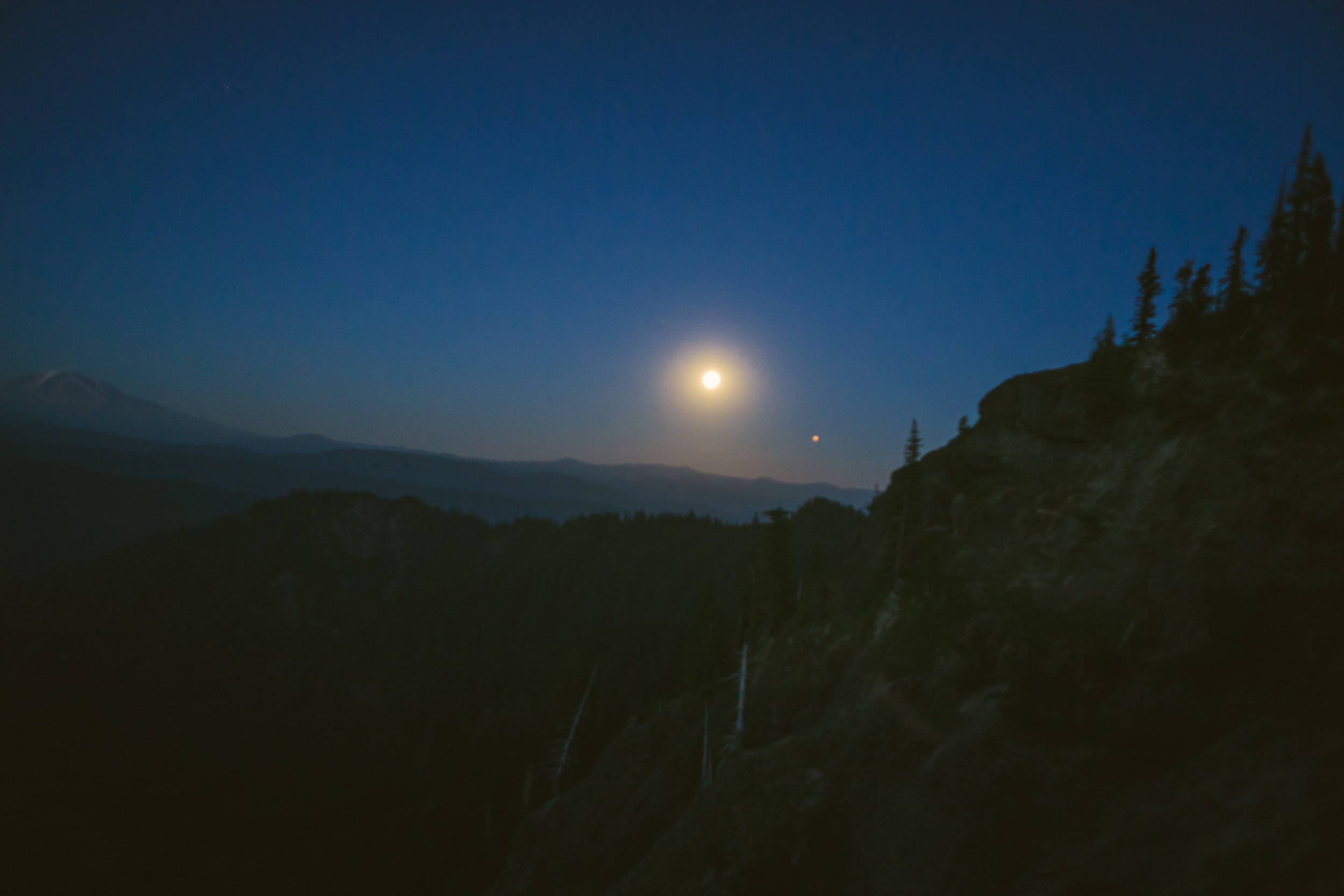 Full_Moon_Mt_St_Helens_57.jpg