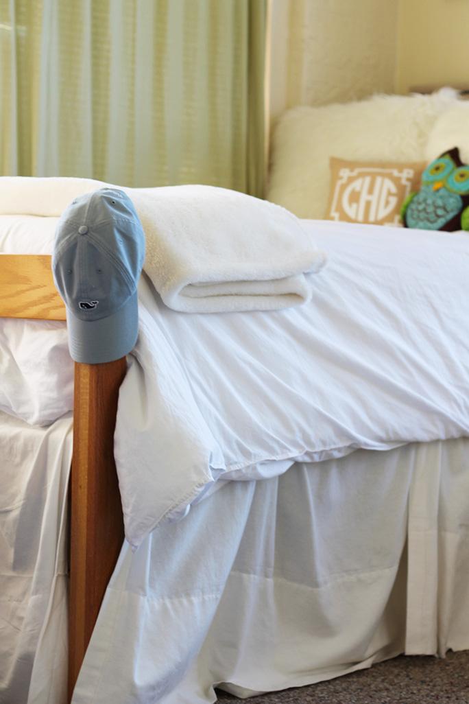 custom-dorm-room-bed-skirt