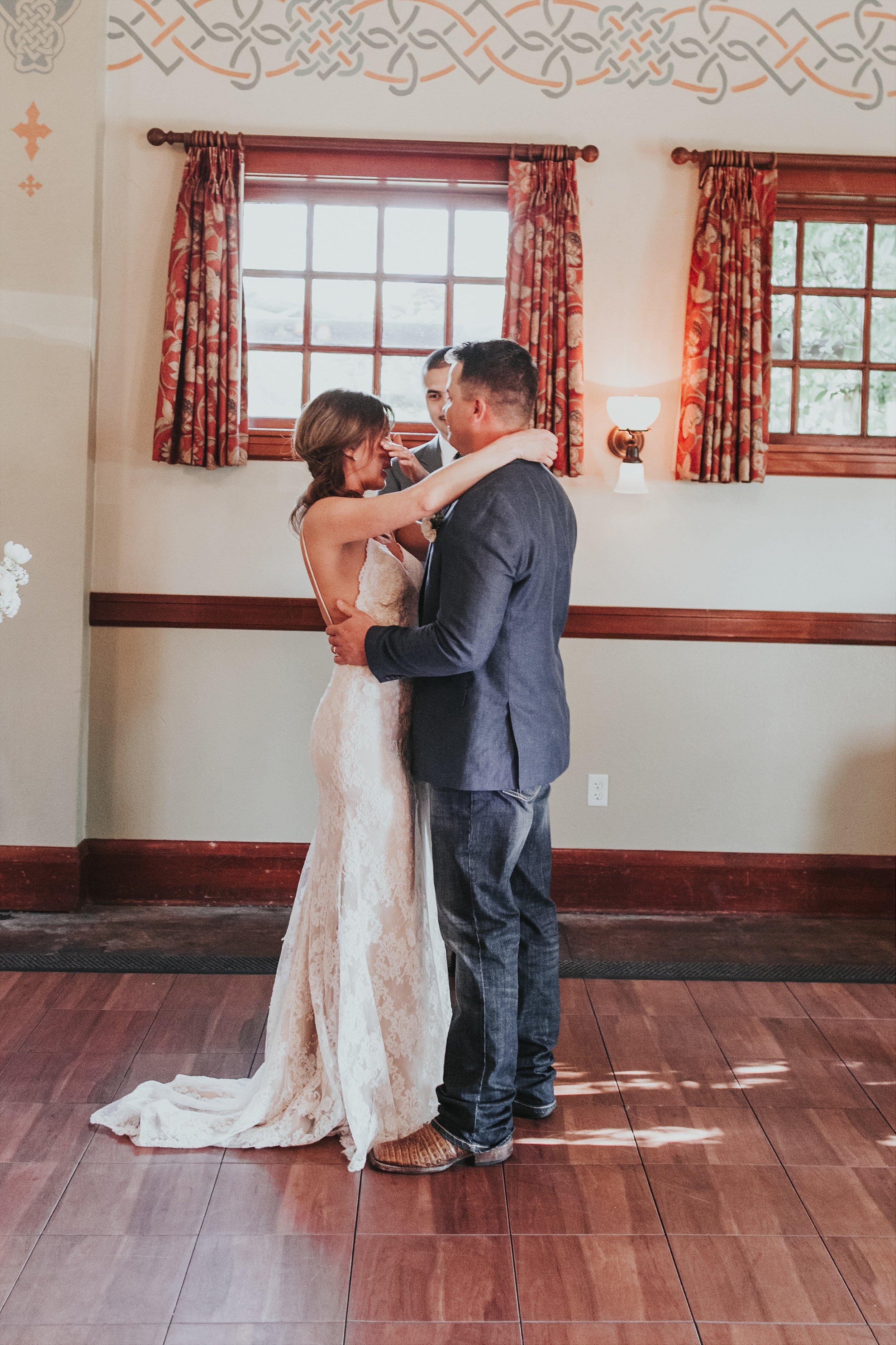 Oregon Wedding Photographer McMenamins (34).jpg