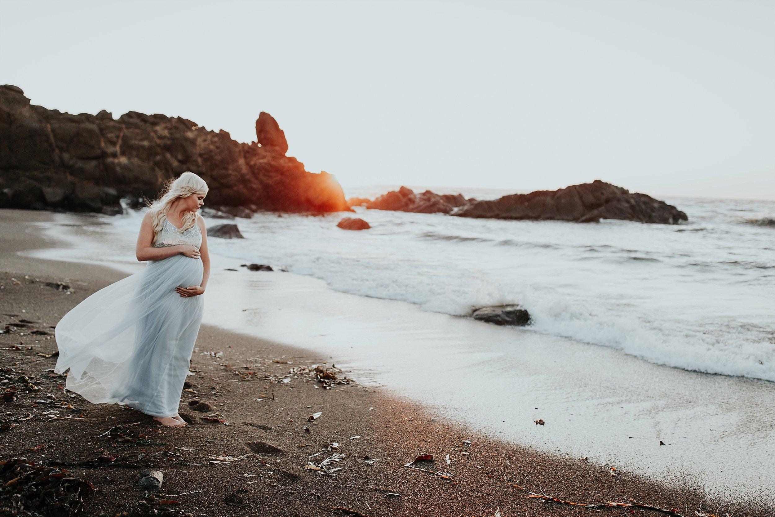 Lincoln CIty Oregon Coast Maternity Photographer (4).jpg