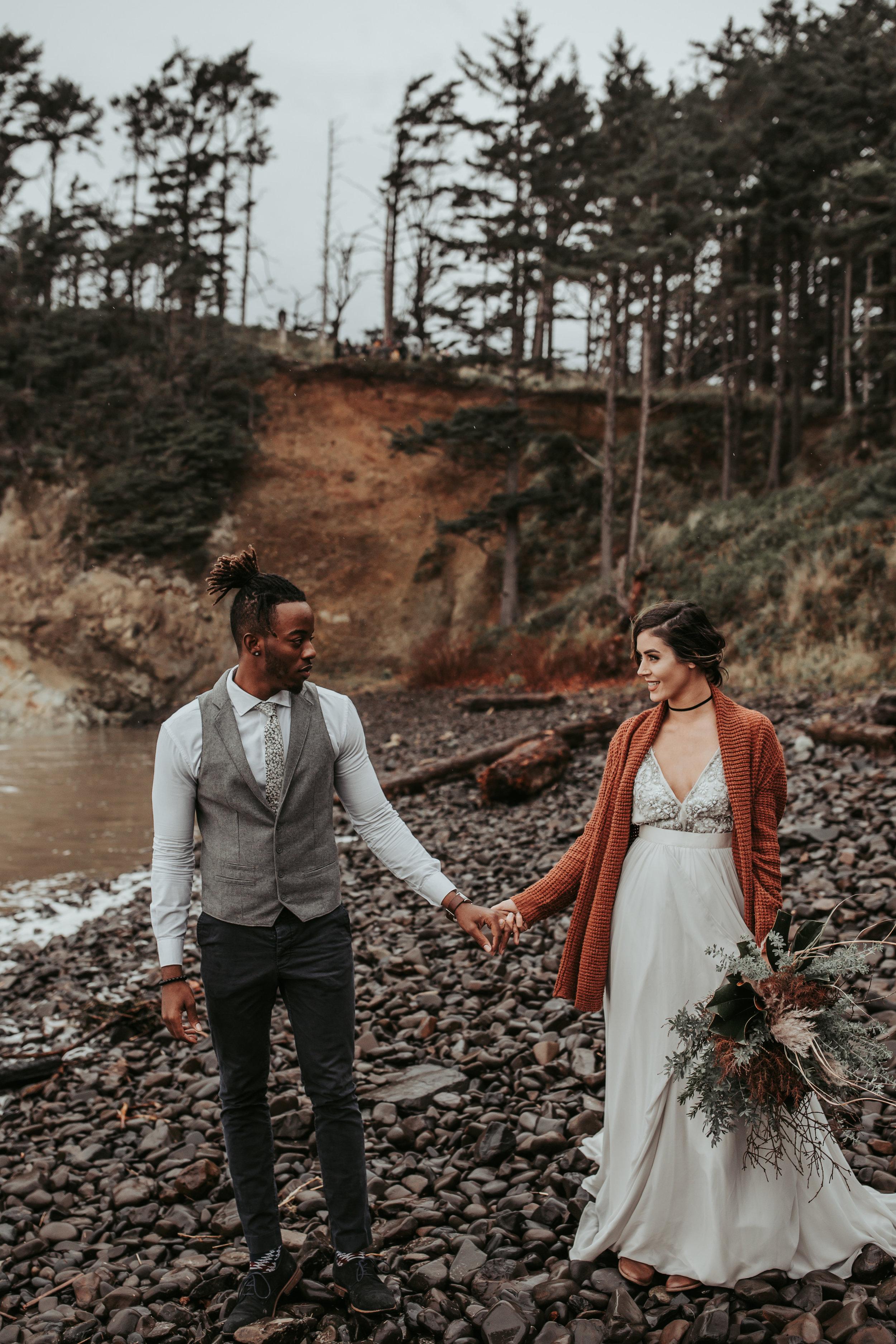 Oregon Engagement and elopement photographers (48).jpg