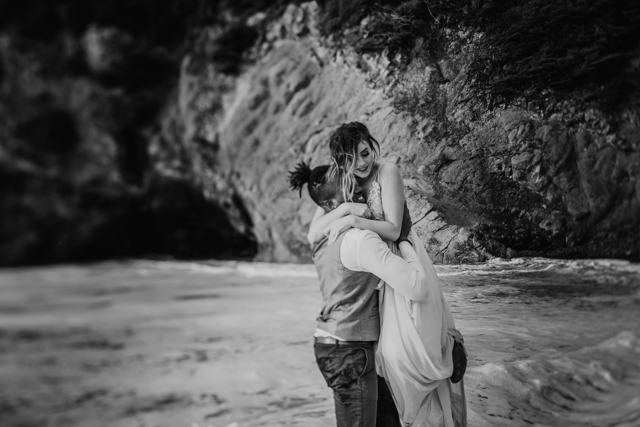 Oregon Engagement and elopement photographers (114).jpg