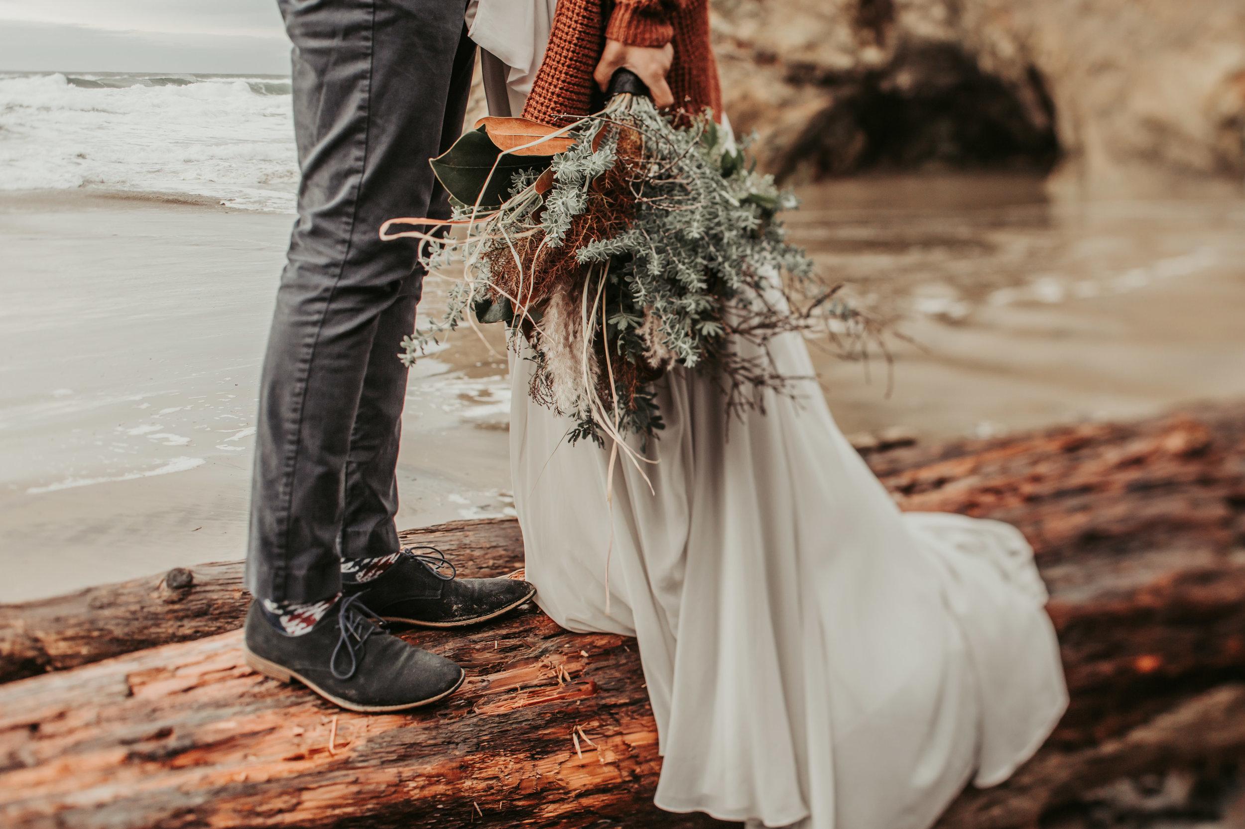 Oregon Engagement and elopement photographers (76).jpg