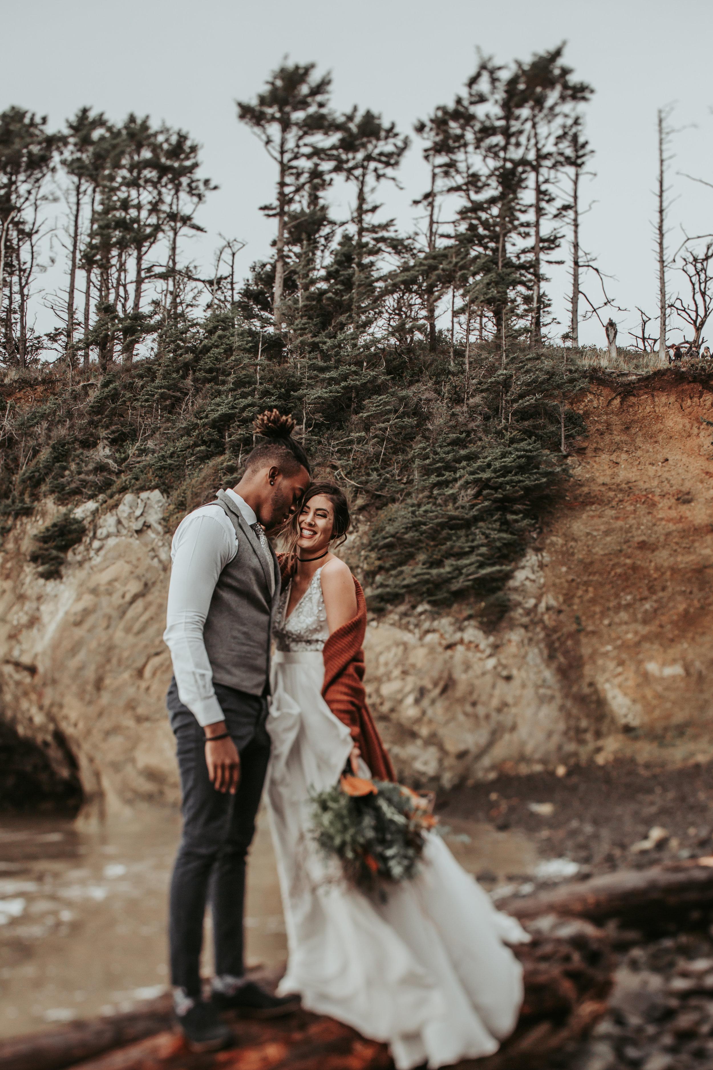 Oregon Engagement and elopement photographers (64).jpg