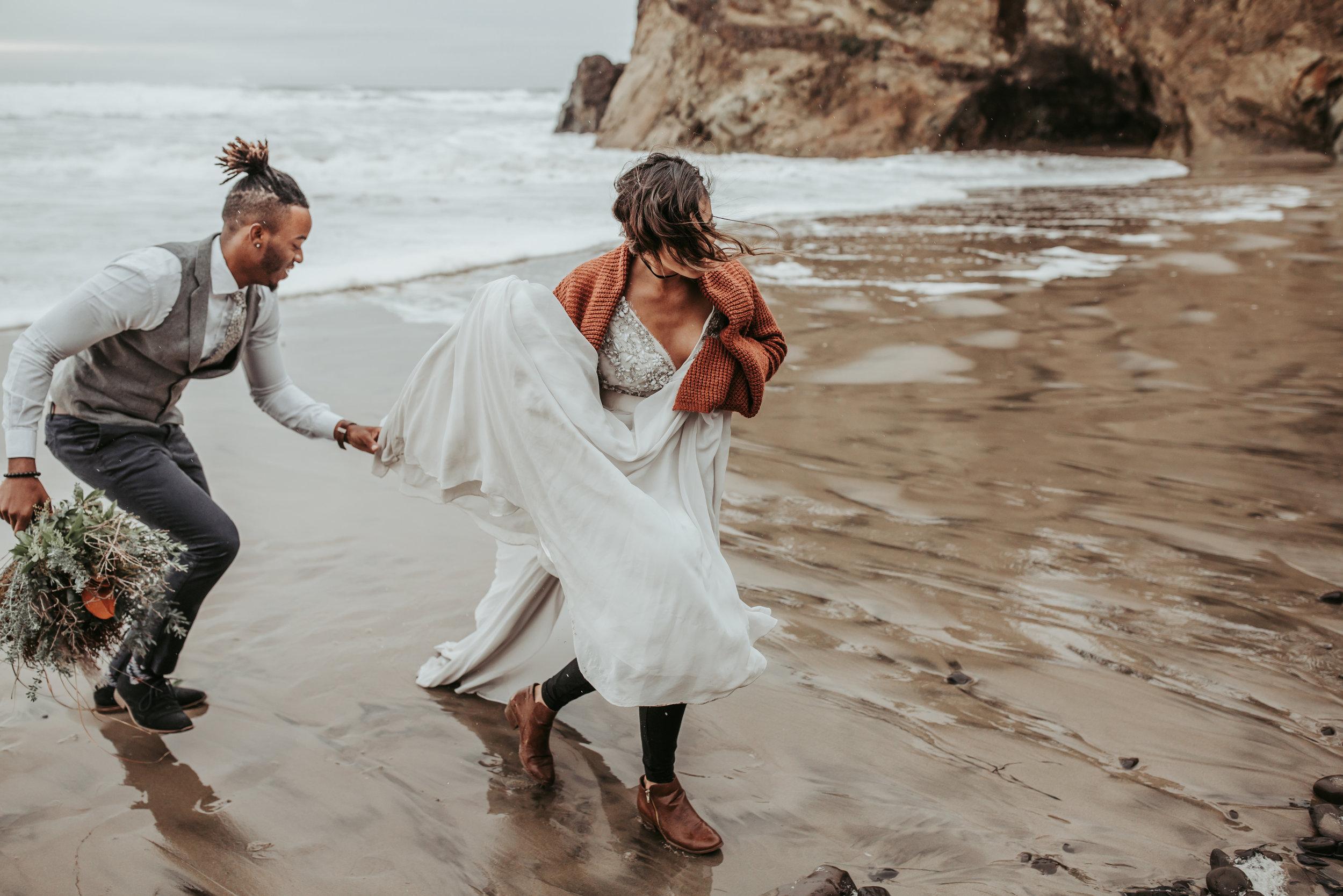 Oregon Engagement and elopement photographers (59).jpg