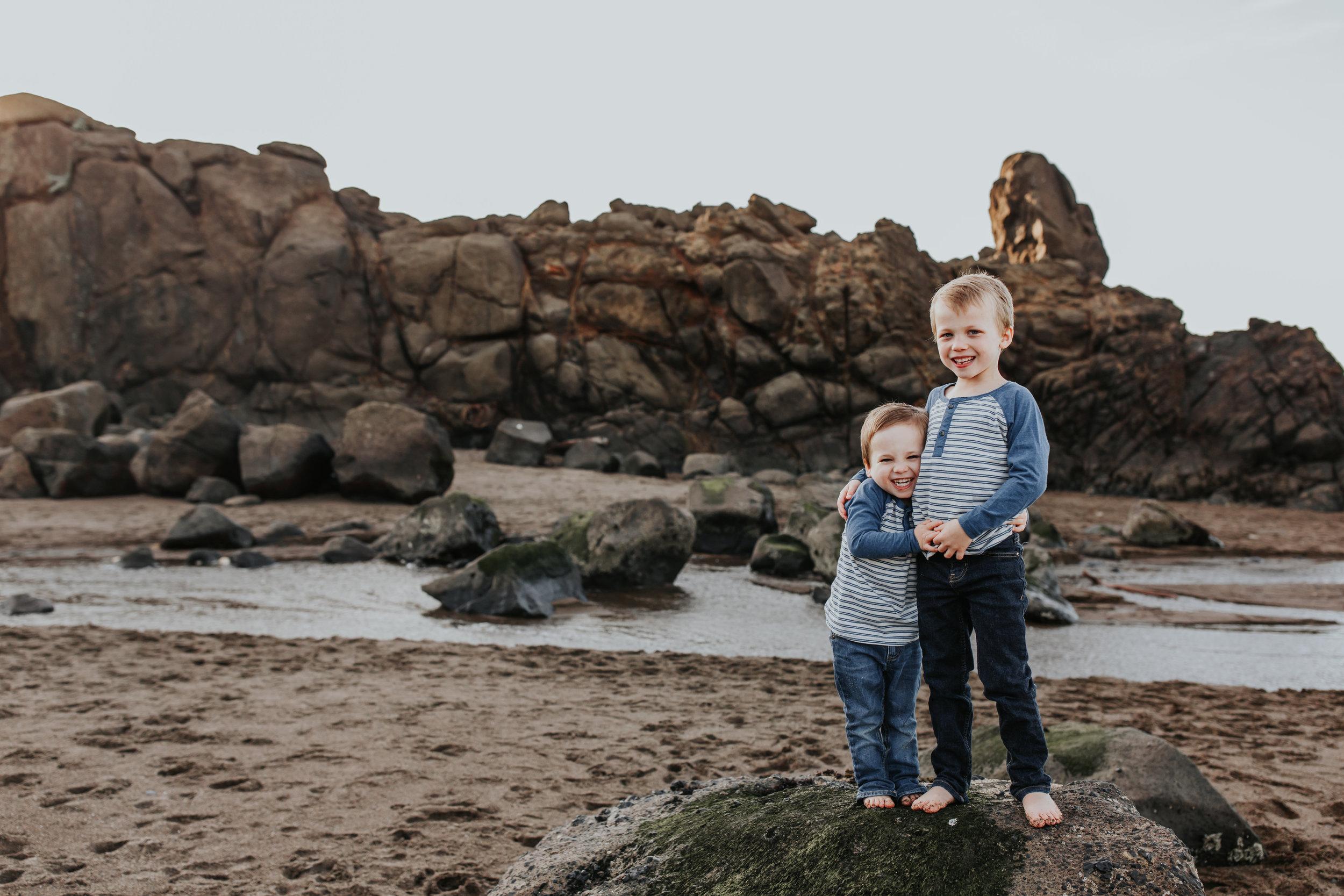 Oregon Coast Family Photographer (31).jpg