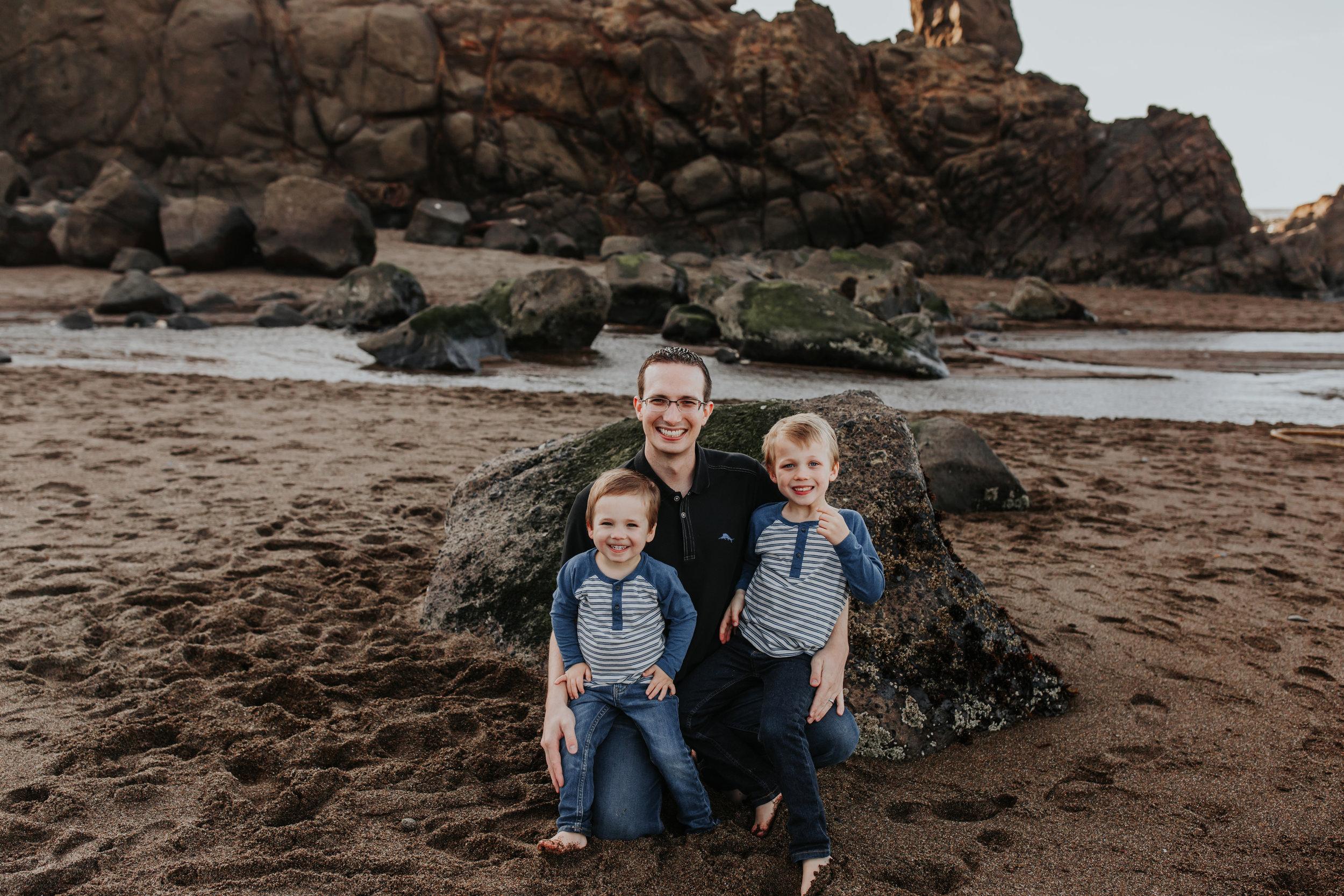 Oregon Coast Family Photographer (59).jpg